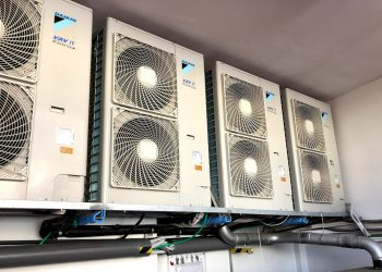 Instalación de dispositivo de aire acondicionado